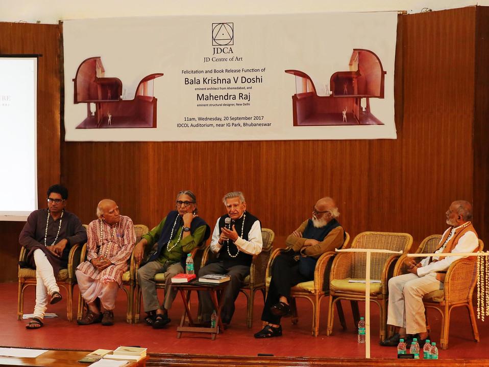 mahendra raj answering audience.jpg
