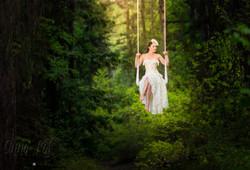 Wedding dress trapeze sit