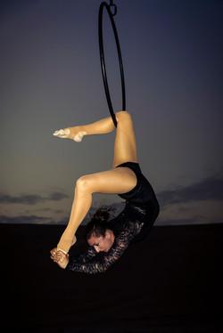Knee hang scorpion