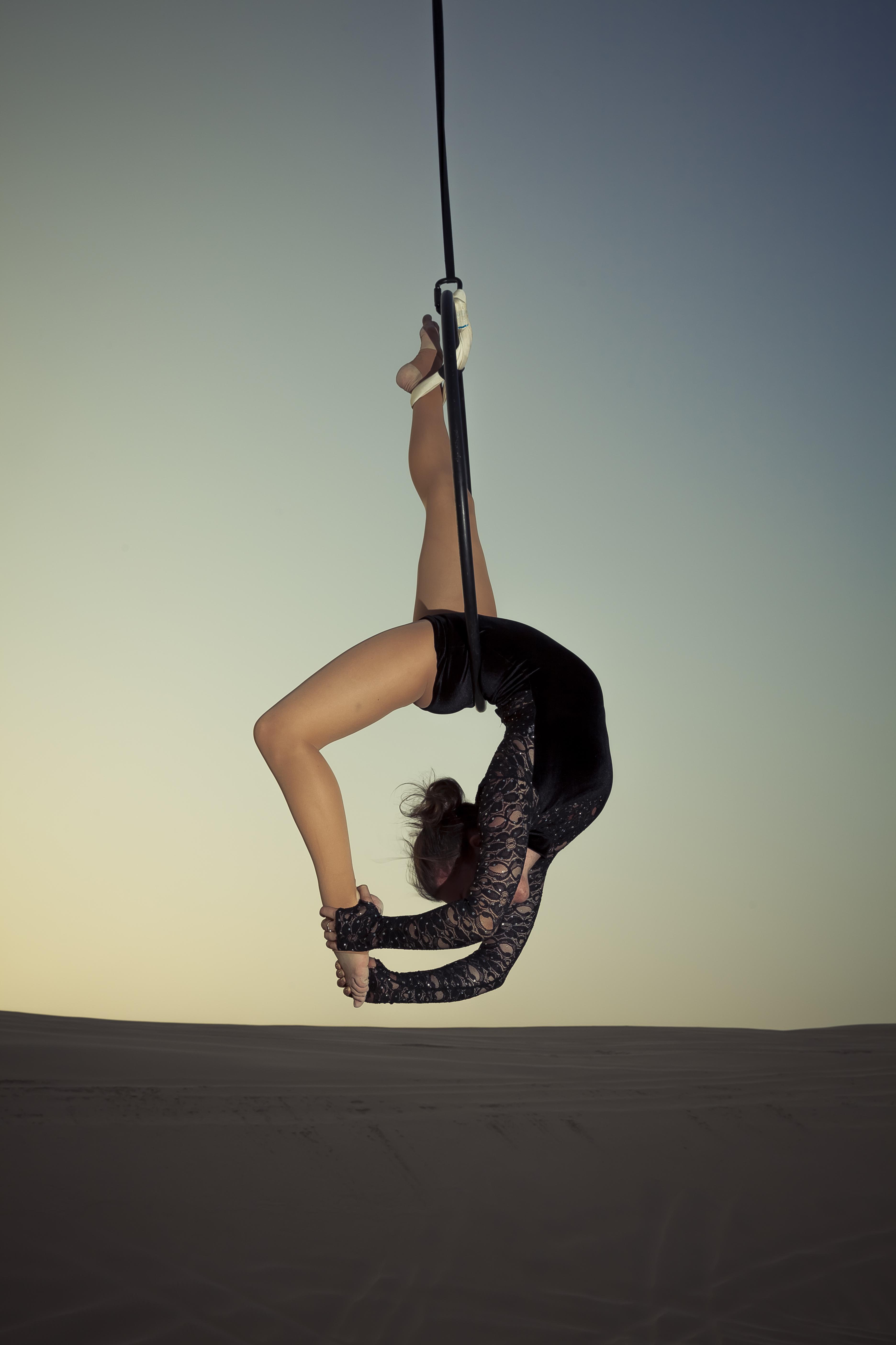 Scorpion hang