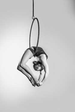 Cocoon back arch hang