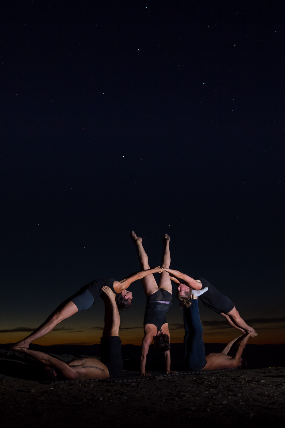 Acro yoga pyramid