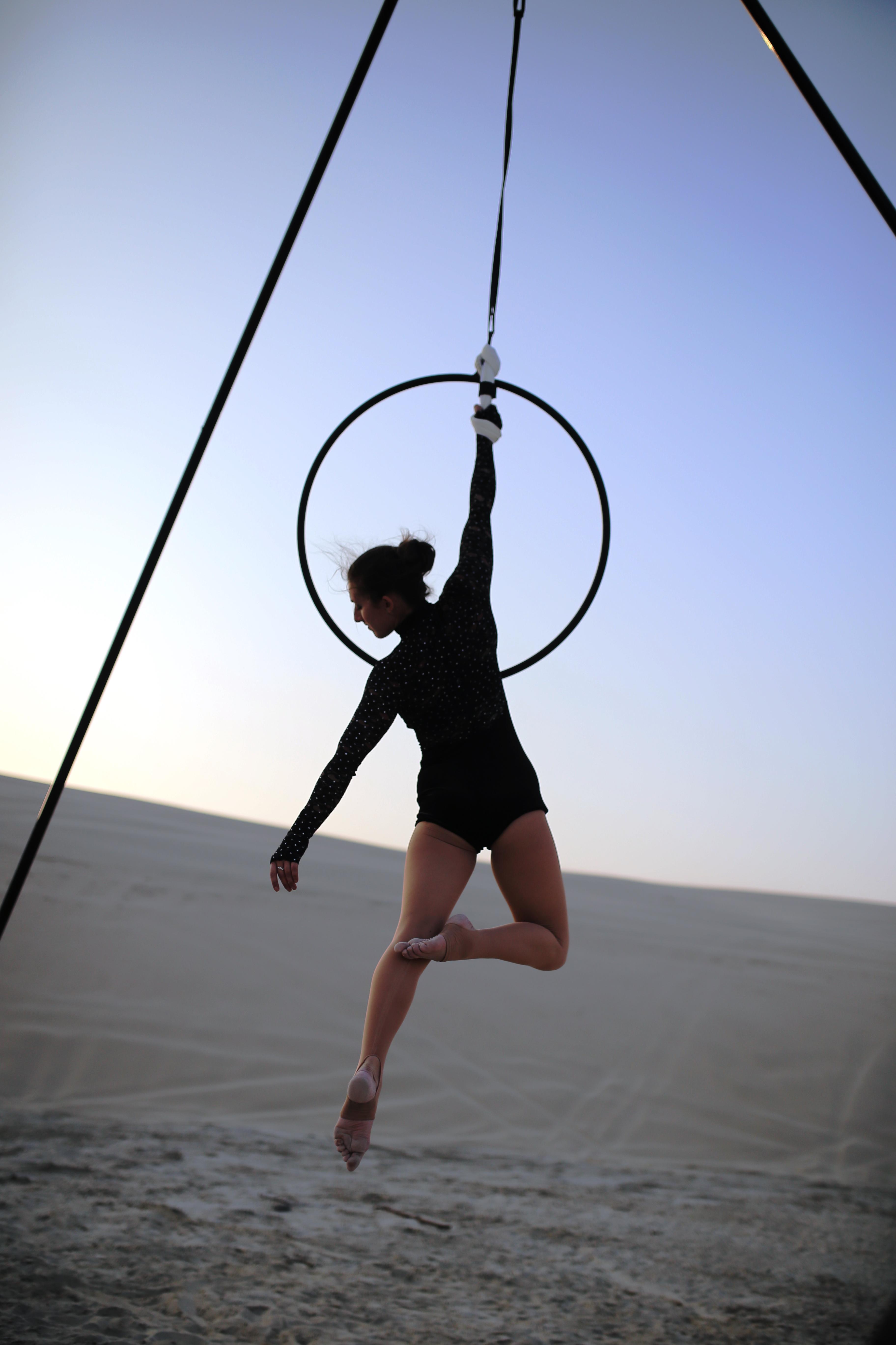 Wrist hang
