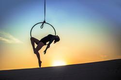 Layback, hoop sit
