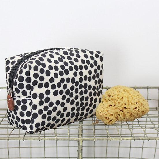 spot cosmetics bag