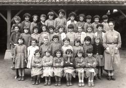 Classe_des_filles_année_1956.jpg