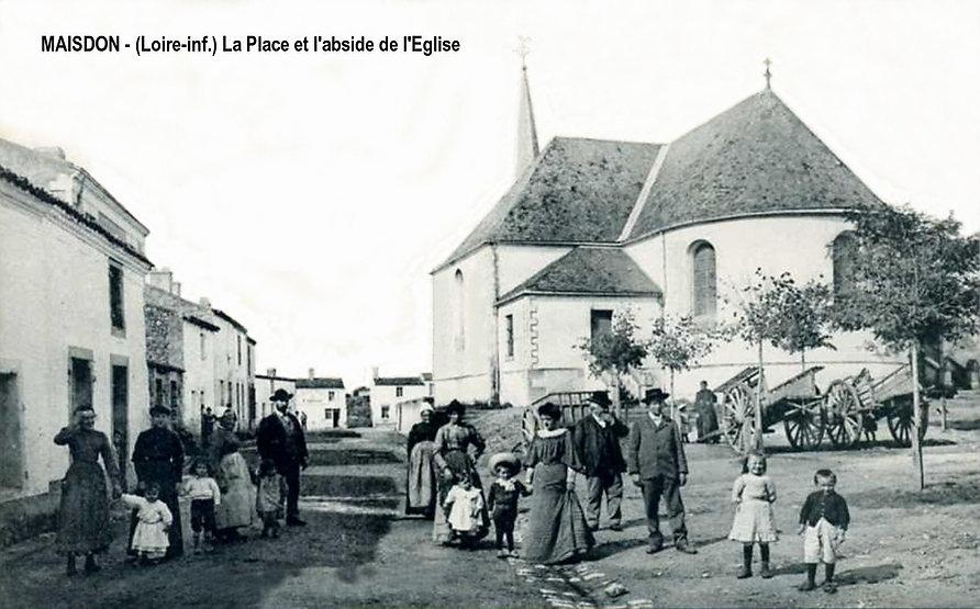 Maisdon - place des tilleuls 2.jpg