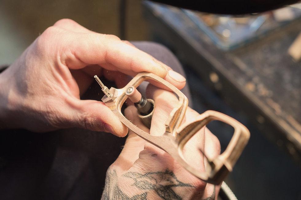 Lesena očala fjprodukt so izdelana po naročilu stranke, vsak kvir izdelamo individualno