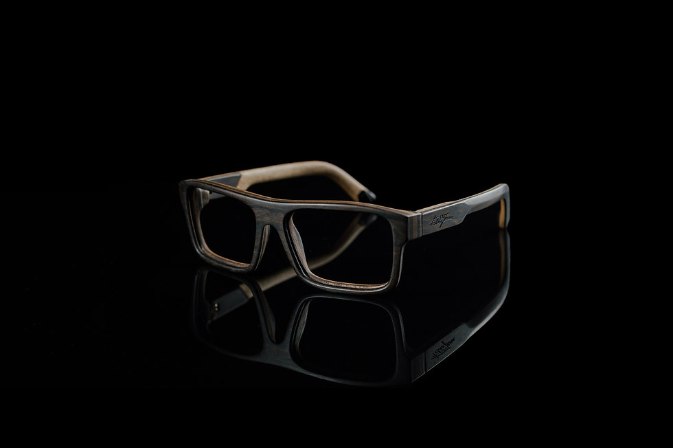 lesena očala fjprodukt so zelo kvalitetna in dodelana tako da je vskak okvir udoben in obstojen