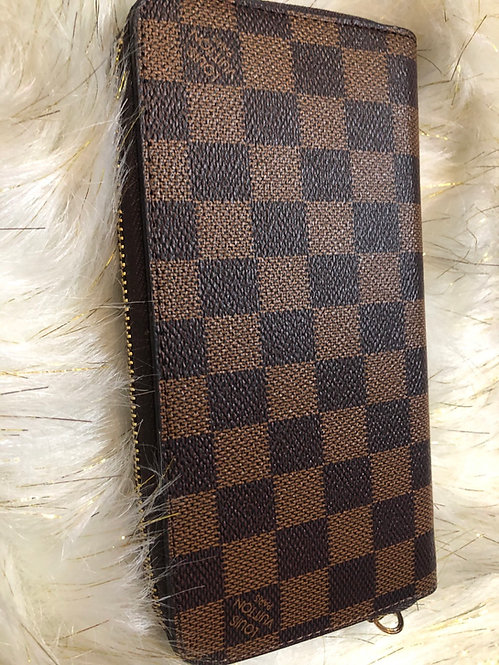 Checker brown wallet