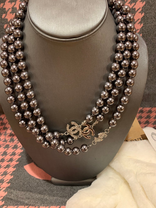 Grey Pearl CC layer necklace