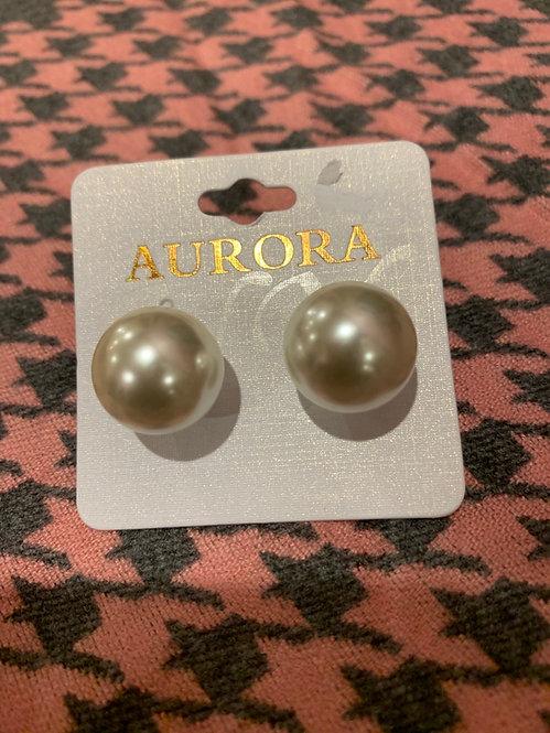 Large ball pearl post earrings