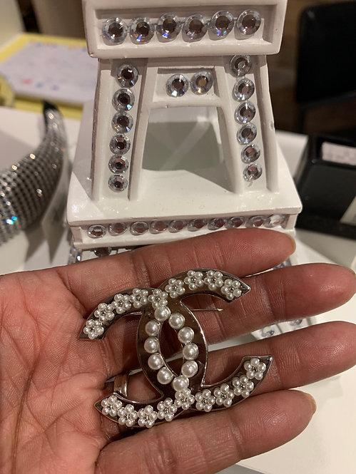 Pearl CC brooch