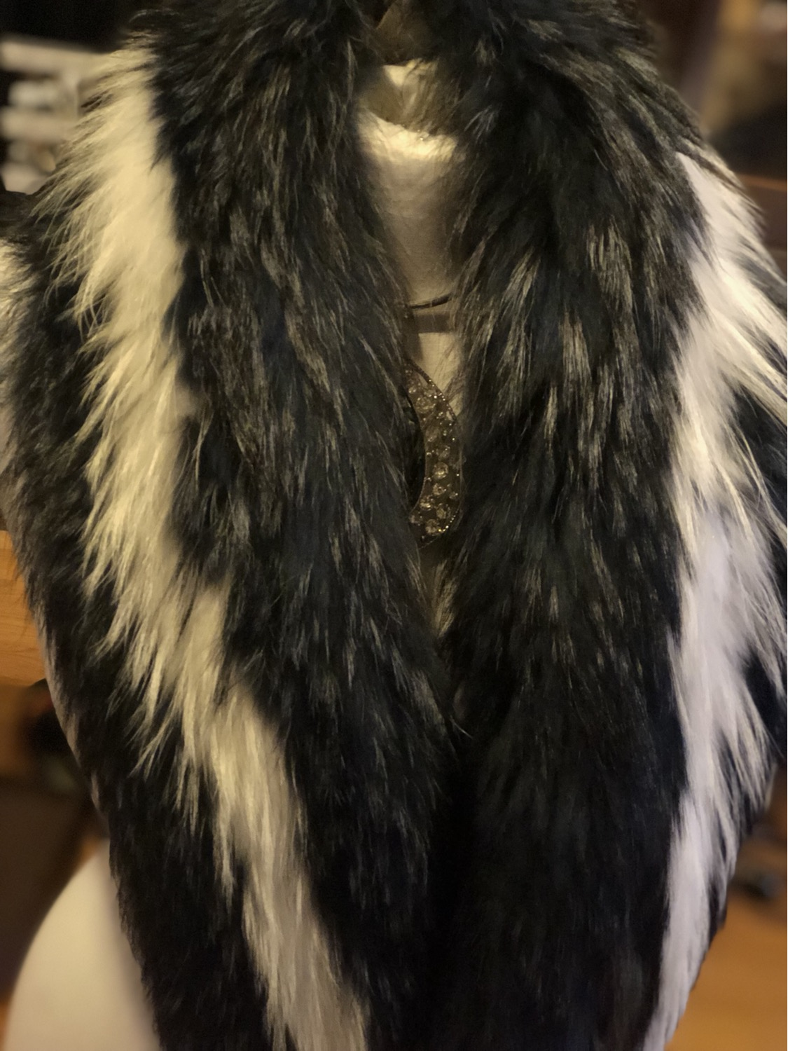 Thumbnail: Maria scarf of racoon Fur collar  with clips