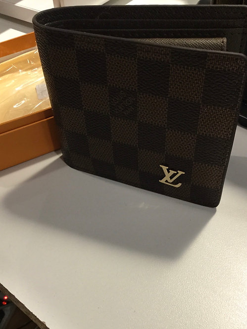 Men's Lv wallet  with box