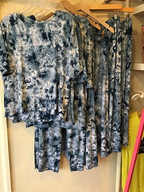 Tie dye Capri pants with splits on side  528