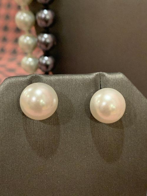 Pearl small post earrings