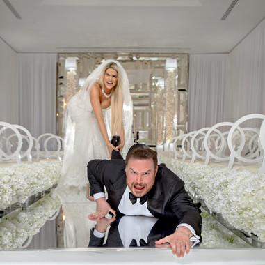 fun-wedding-photo-poses-for-couples.jpg