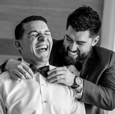 candid-photography-wedding-getting-ready
