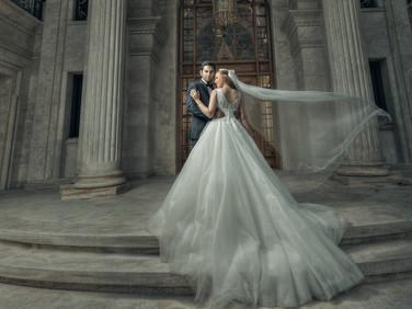 creative-wedding-poses-for-couples-.jpg