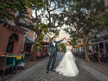 creative-wedding-poses-for-couples-miami