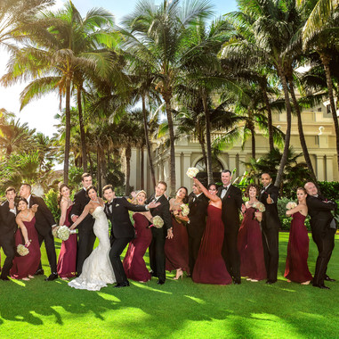 fun-bridal-party-poses-the-breakers-palm