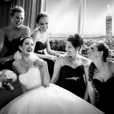 candid-wedding-photos-bridal-party-south