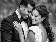 classic-wedding-photos-bride-and-groom__