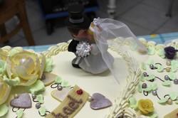 Hochzeitstorte Doppelherz mit Figur