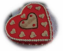 Cremetorte Herzform Marzipan