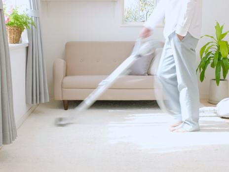Nettoyer sa maison de manière plus responsable