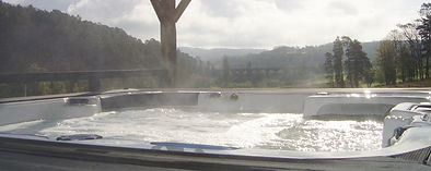 Jacuzzi with magnificent view in Black perigord-DORDOGNE-France