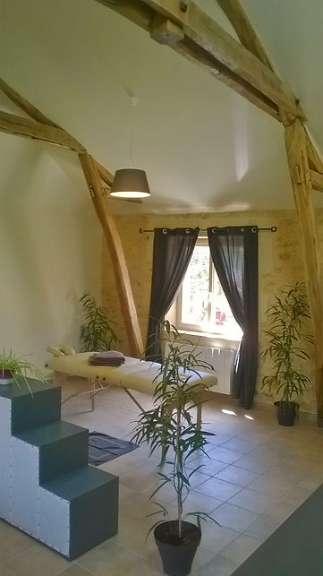 Massage room in Périgord in LARZAC-Dordogne-france