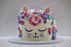 Buttercream vanilla birthday cat cake