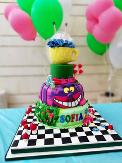 Alice in Wonderland 3D Fondant Cake.