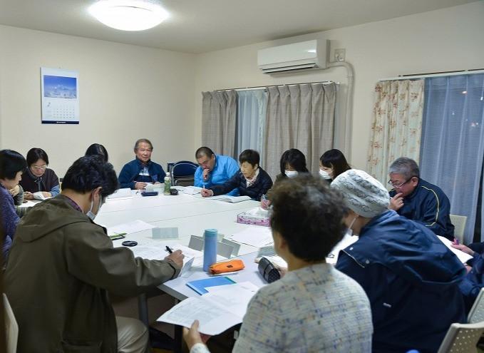 竹山団地16-2ブロックのペット飼育者行われる交流会「ペットの会」の写真。