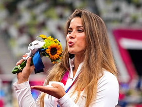 Tokyo Olympian Maria Andrejczvk auctions her silver medal to fund 8 month- old baby Heart Surgery