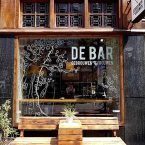 DE BAR BY G.D.V.