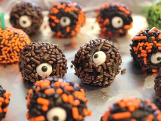 Halloween - 4 ingredient no bake One eyed Balls and little Pumpkin Balls