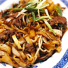 476 PAD SIEW FRIED NOODLE