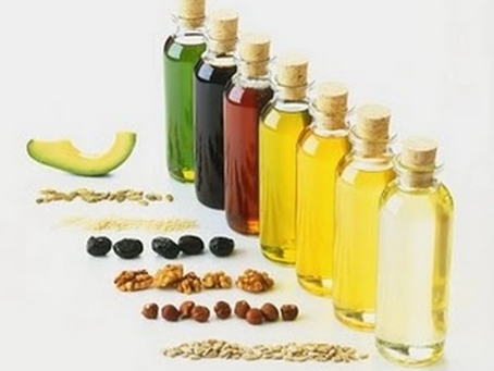 Moisturizing vs. Sealing Oils