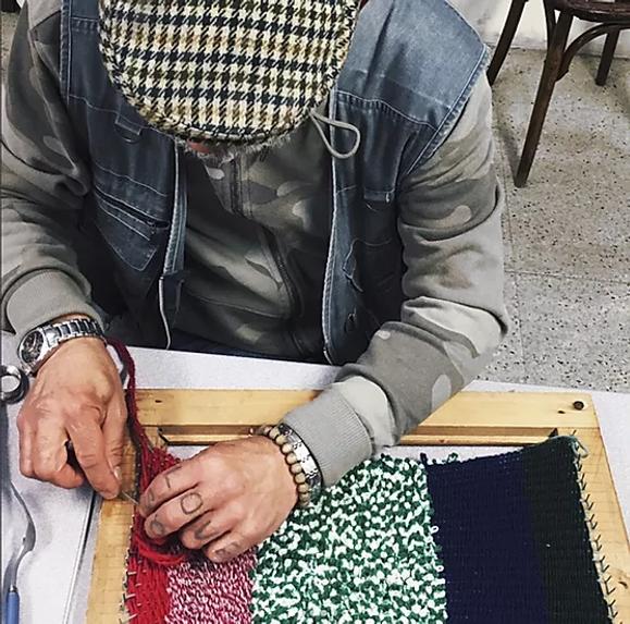 salarié en insertion création artisanat mains