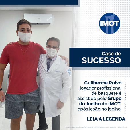 Guilherme Ruivo jogador profissional de basquete é assistido pelo Grupo do Joelho do IMOT
