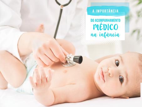 O acompanhamento médico é muito importante por toda a infância e adolescência