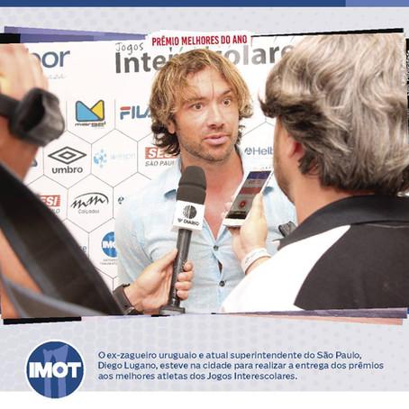 O ex-zagueiro uruguaio, Diego Lugano, realizou a entrega dos prêmios nos Jogos Interescolares.