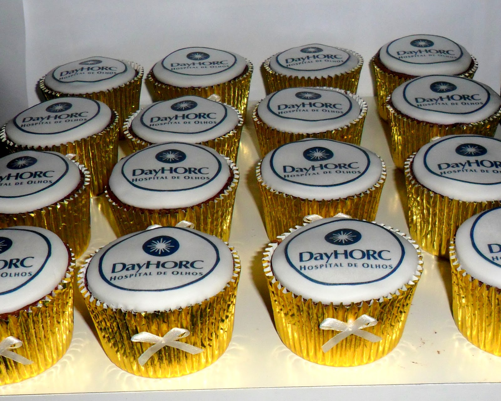 Cupcakes-Day-Horc-cupcakes--24-cupcake_usa_oprogramador