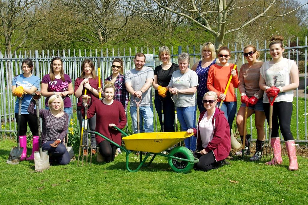 The team of 14 volunteers from Thompson Holidays - April 2015