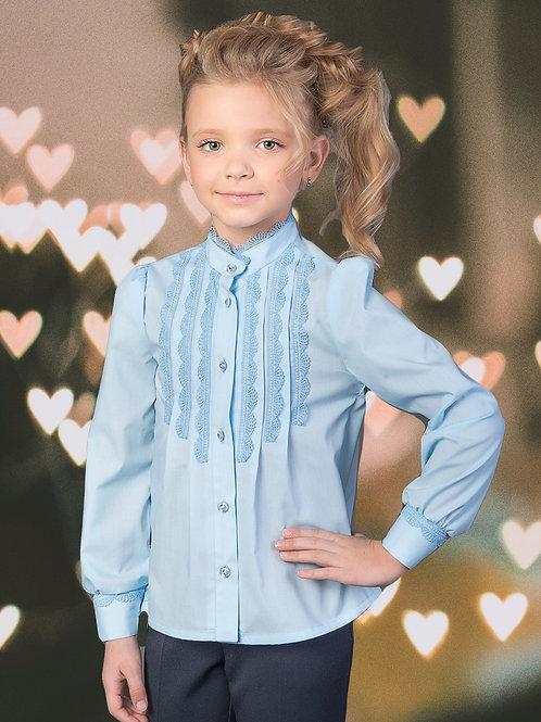 Нарядная голубая школьная блузка с узким кружевом арт. 10102.