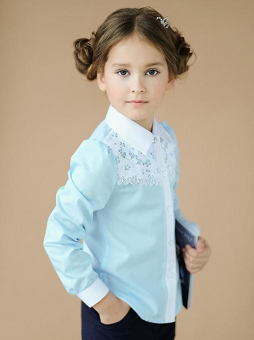 Красивая голубая блузка для девочки с кружевом на кокетке
