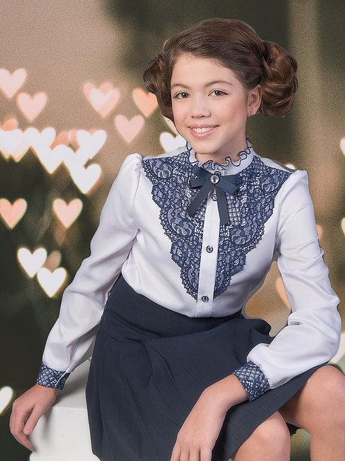 Блузка нарядная для девочки с синим кружевом